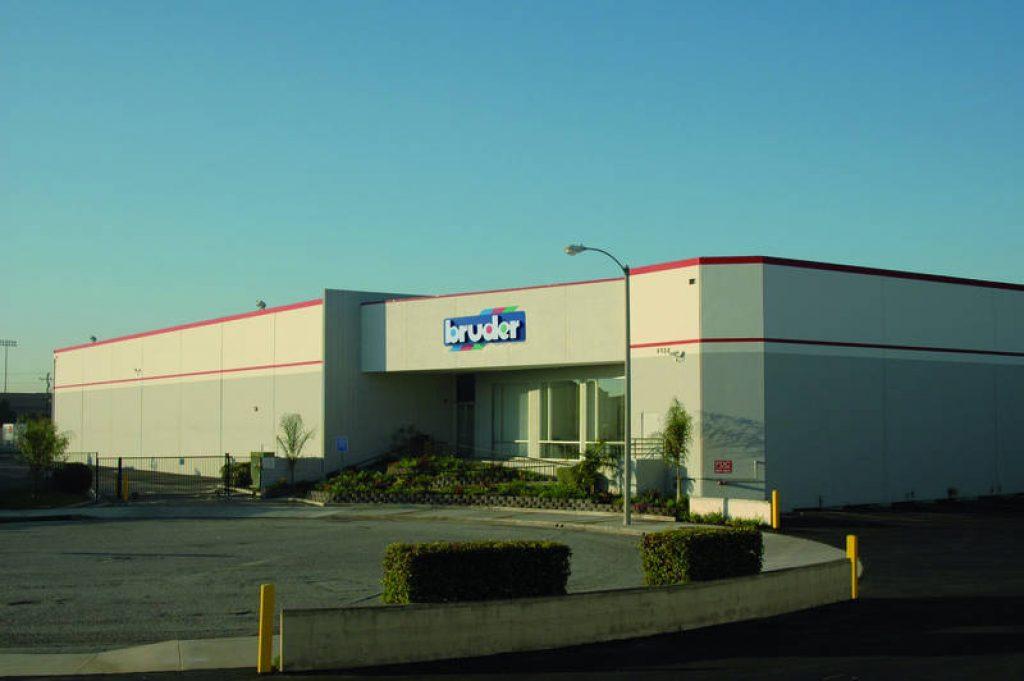 Филиал Bruder в городе Хоторн, Калифорния, США