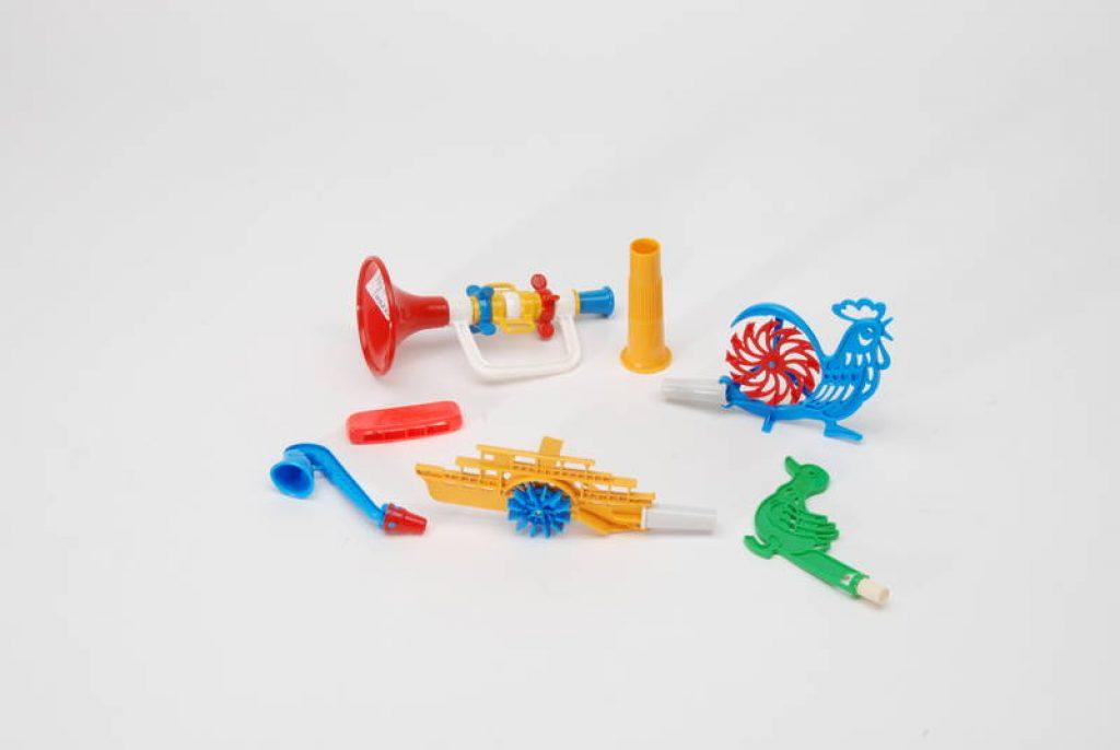 Небольшой ассортимент игрушек Брудер